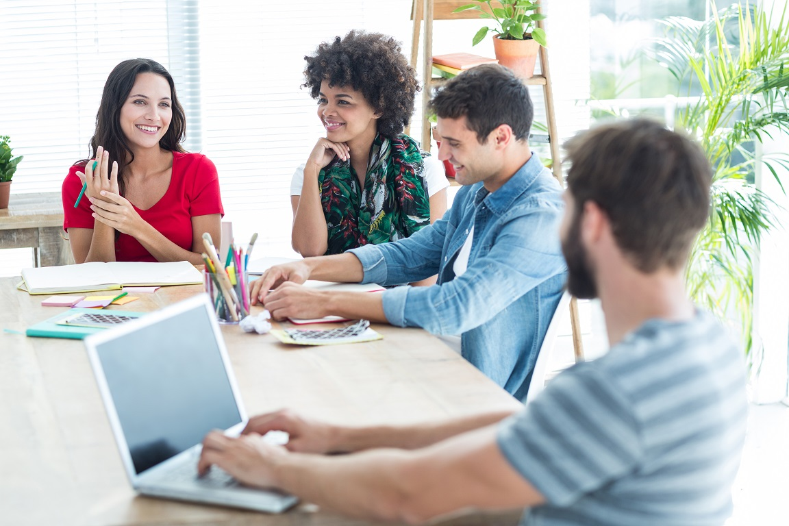 Berpakaian Kasual Dapat Meningkatkan Kinerja Karyawan Di Kantor