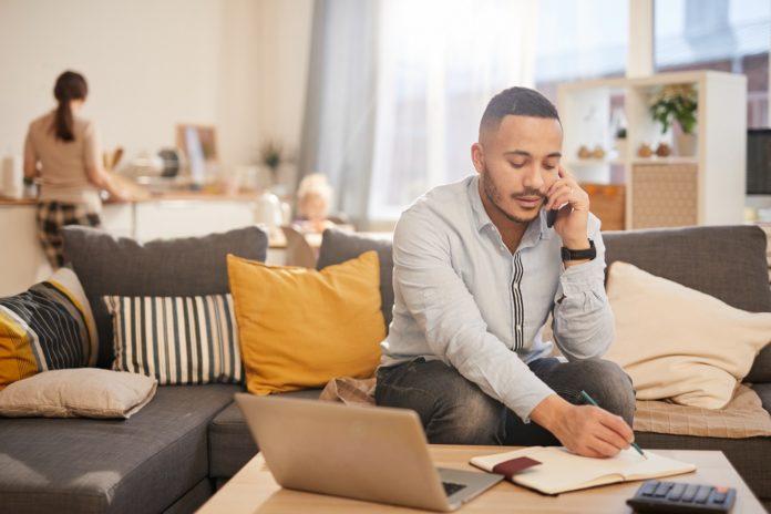 Dampak Virus Corona, Mulai Diberlakukan Work From Home Nih. Yuk Pantau Karyawan Dari Rumah Menggunakan Aplikasi Kantor Kita.