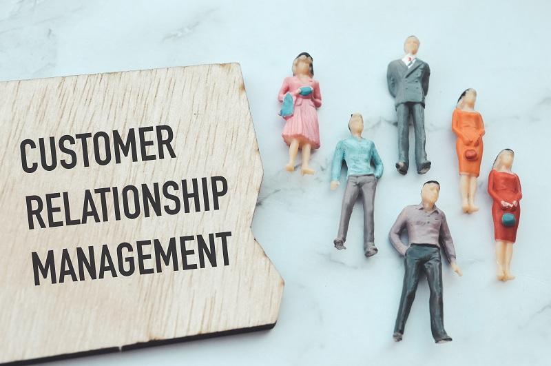 Customer Relationship Management (CRM) adalah system yang membantu pengelolaan sales dan penjualan